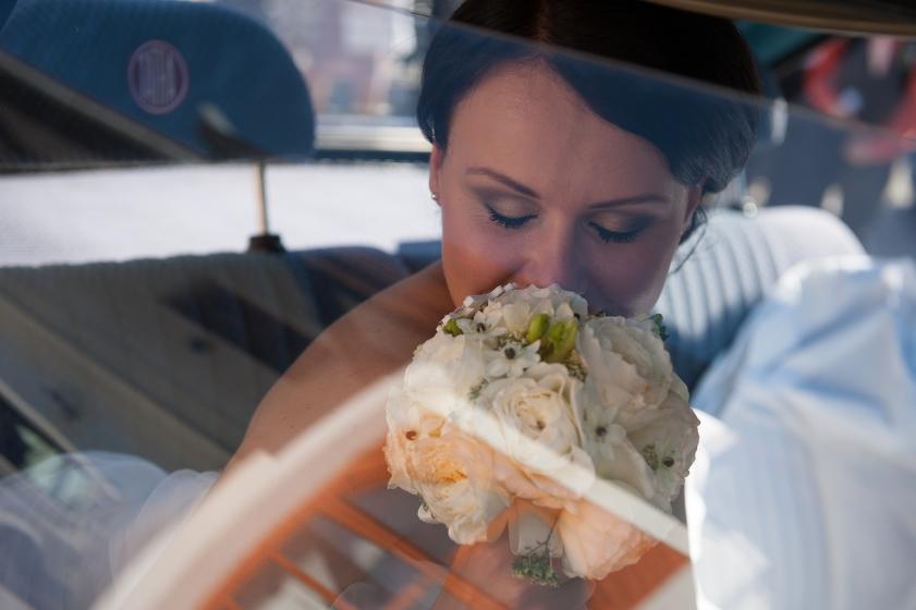 Svatební fotografie před profesionální grafickou korekcí